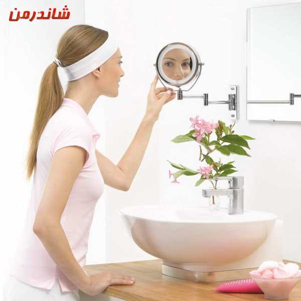 آینه چراغدار شرکت بیورر مدل آرایشی